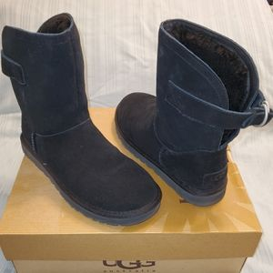 Womens UGG Remora Black Boots Sz 6